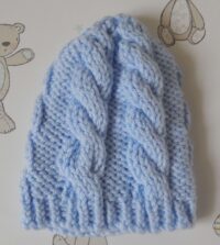 baby's chunky cable hat